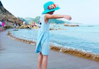 夏天和海浪沙滩更配